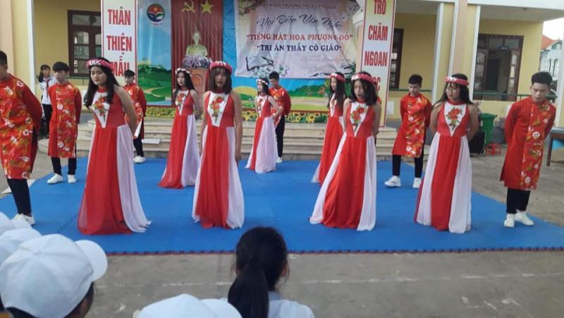Tiệm trang phục biểu diễn 50 Phan Đình Phùng