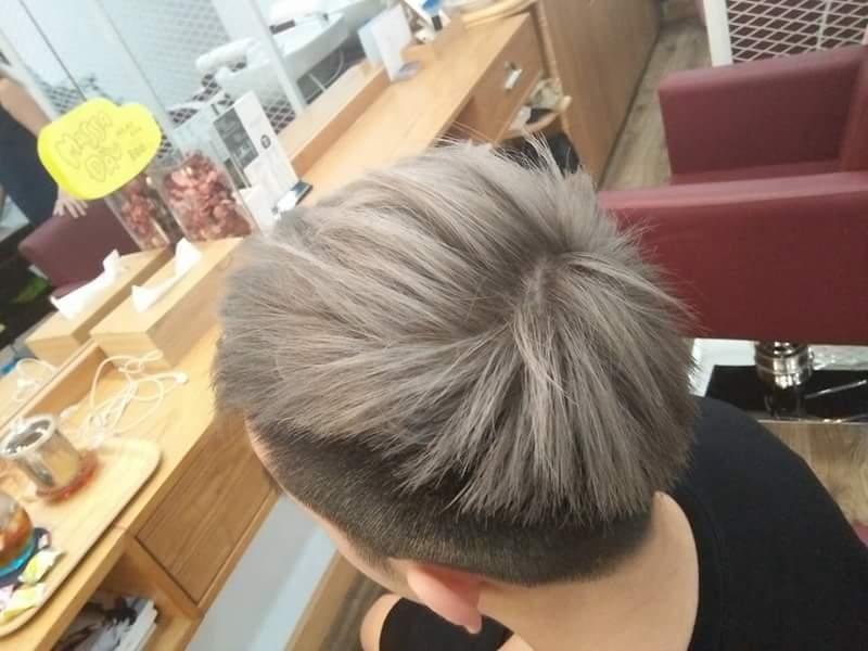 Màu tóc xám hot trend năm nay