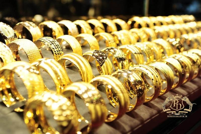 Tiệm vàng Phú Nguyên