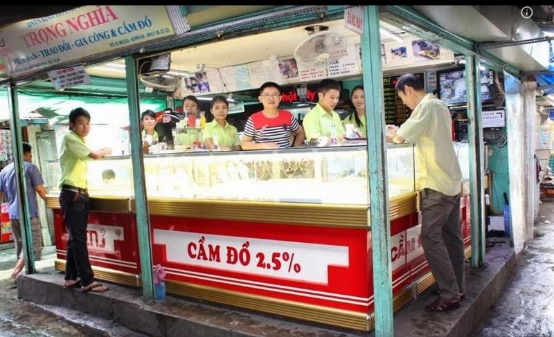 Hoạt động mua bán tại tiệm vàng Trọng Nghĩa