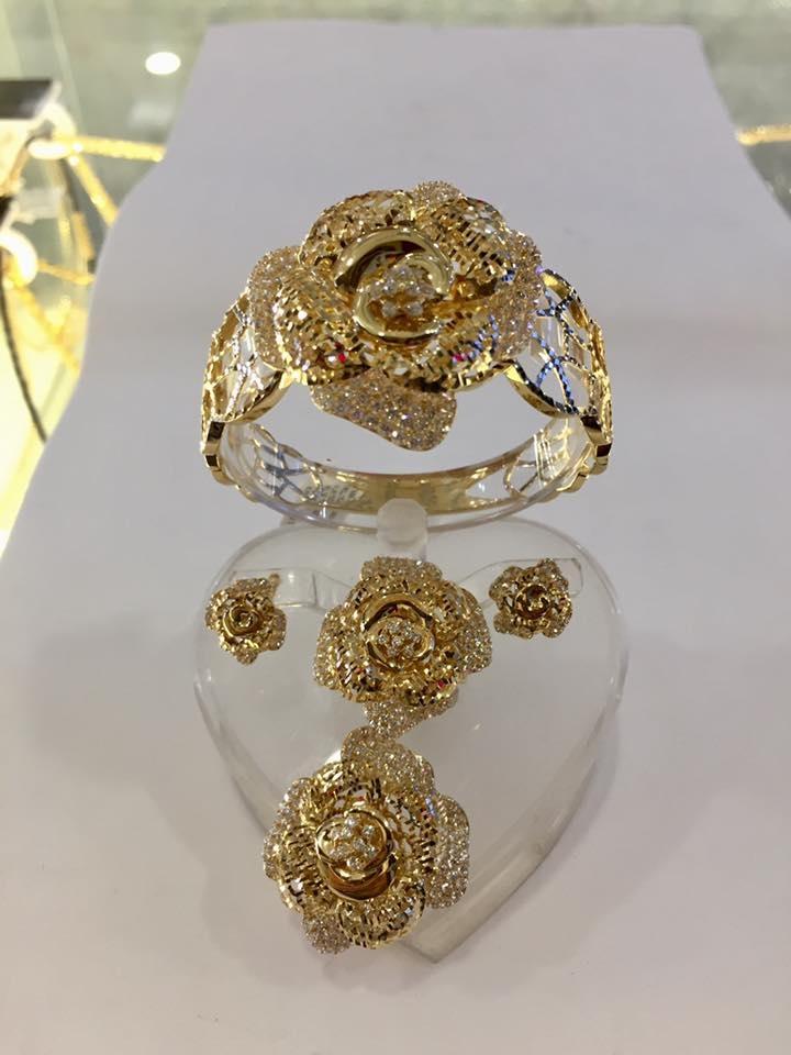 Tiệm Vàng Ý Ngọc
