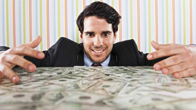 Tiền nhiều hơn nhưng hài lòng ít đi.
