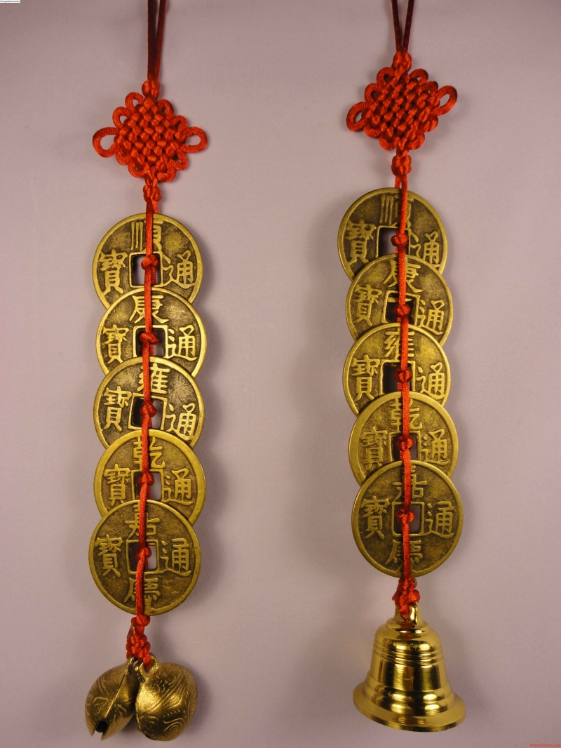 Tương tự những thỏi vàng, những đồng tiền xu là đại diện rõ ràng nhất của tiền tài