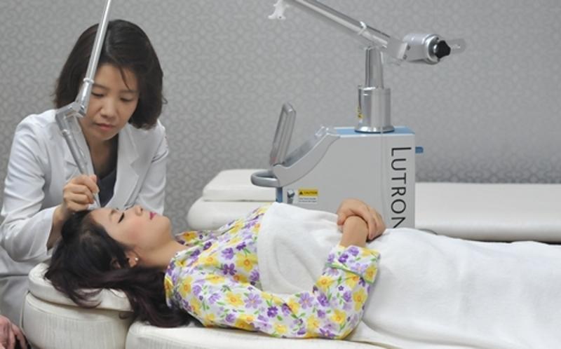 Khách hàng điều trị chàm bớt bẩm sinh tại Tiệp Nguyễn Luxury spa