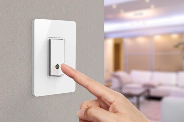 Tắt điện khi ra khỏi phòng