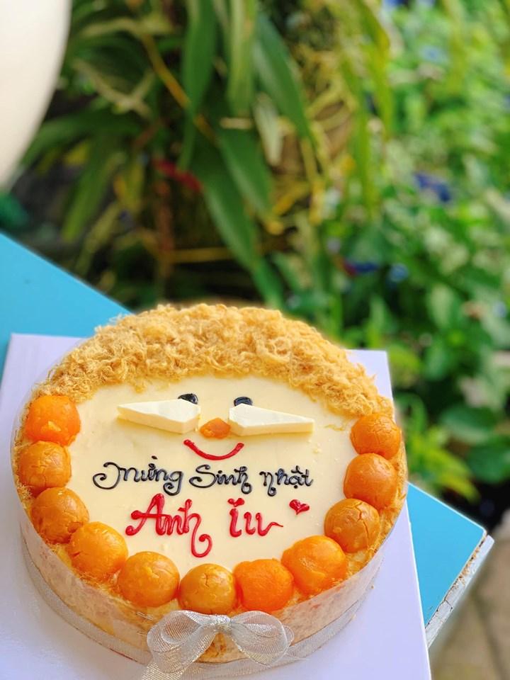Mẫu bánh sinh nhật bông lan trứng muối tại Bếp Tiết Ú