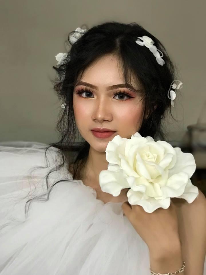 Tiểu Ly make up