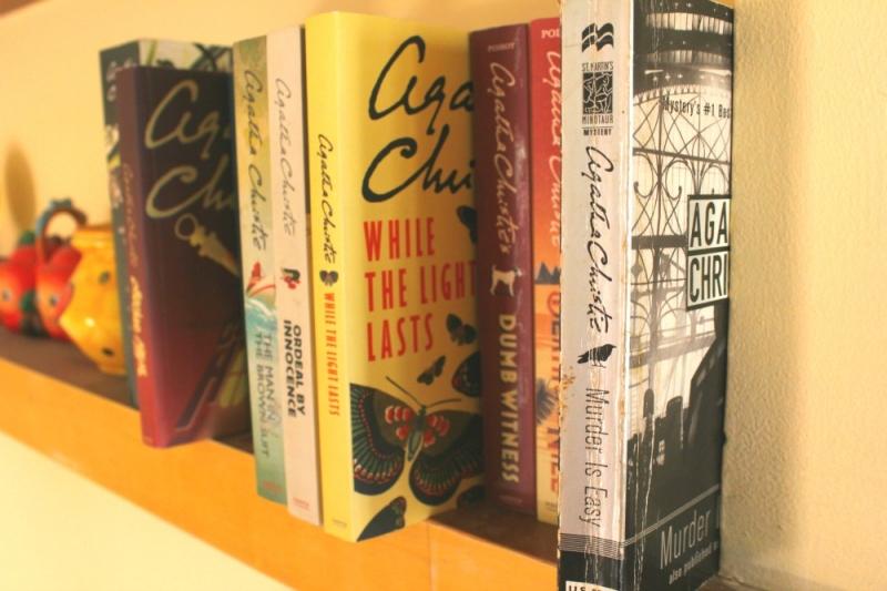 Top 10 tiểu thuyết trinh thám hay nhất của Agatha Christie