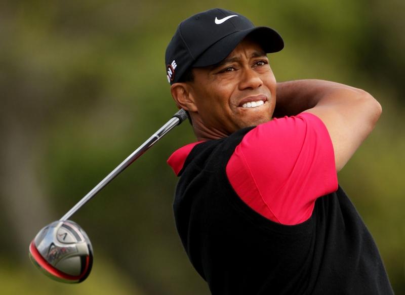 Bản hợp đồng với Nike giúp Tiger Woods trở nên giàu có