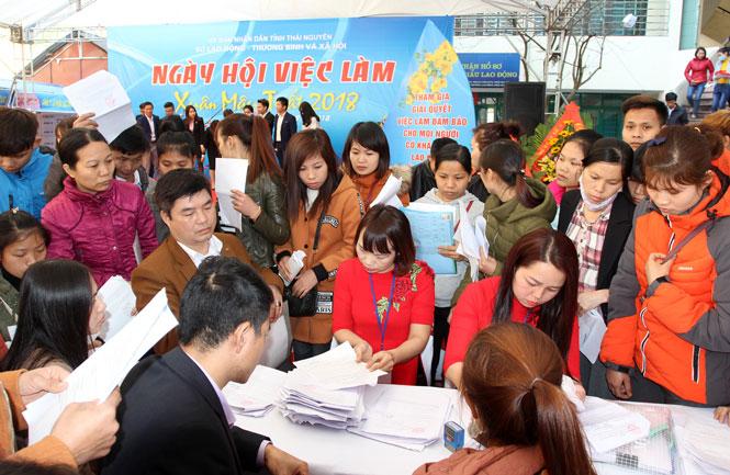 Ngày hội việc làm mở ra nhiều cơ hội cho người lao động