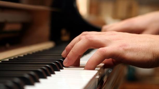 Tìm hiểu cách chơi các hợp âm cơ bản