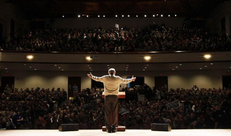 Hãy thử tưởng tượng rất đông khán giả hưởng ứng với bài thuyết trình của bạn