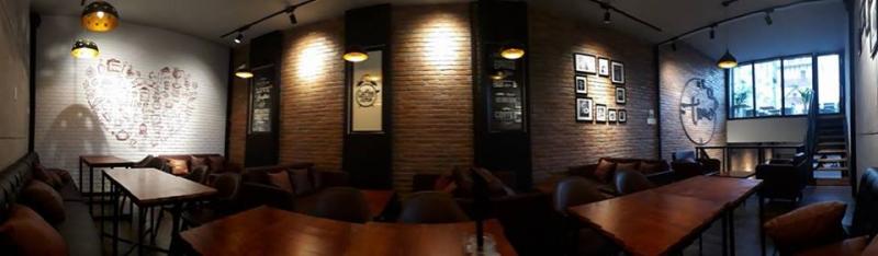 Không gian sang chảnh và ấm cúng của Time Cafe