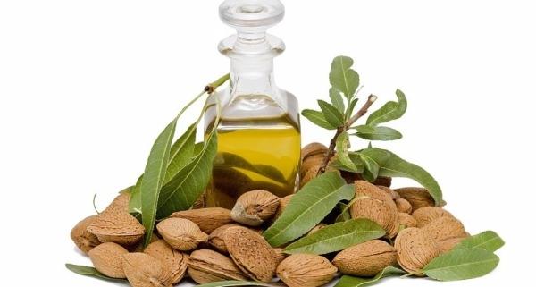 Tinh dầu hạnh nhân dưỡng ẩm da rất hiệu quả