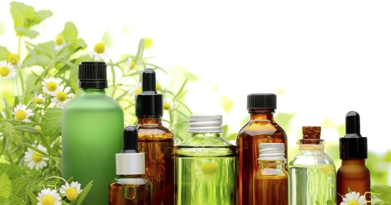 Sử dụng tinh dầu nguyên chất để cơ thể có mùi thơm tự nhiên