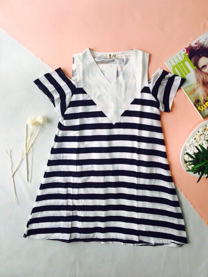 Đầm sọc rớt vai (hình ảnh lấy từ fanpage của shop)
