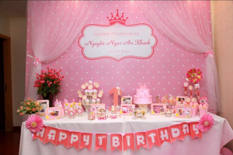 Một set trang trí sinh nhật trọn gói