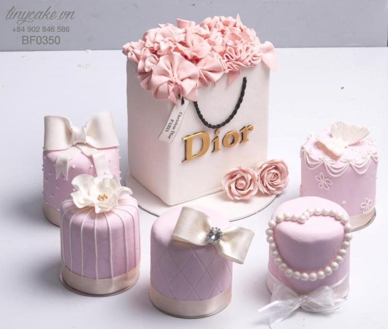 Chiếc bánh Dior sang trọng, quý phái