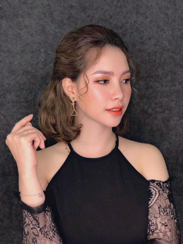 Tiny Trần makeup