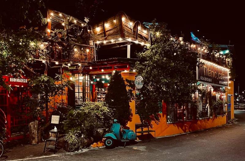 Titanic cafe 103 Tiên Dung Việt Trì