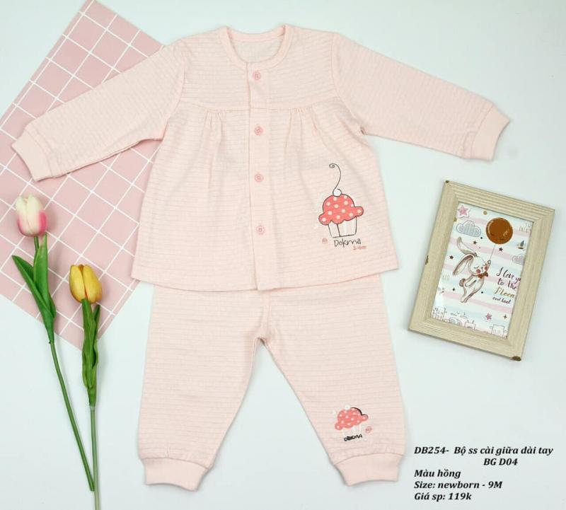 Trang phục cho bé tại TiTi Mart