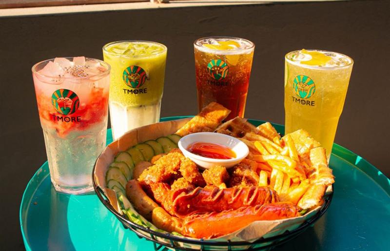 Một góc không gian quán Tôm TômTiệm Trà Chanh Tmore là một quán thức uống rất thích hợp để bạn tụ tập bạn bè tán gẫu, giải khuây.