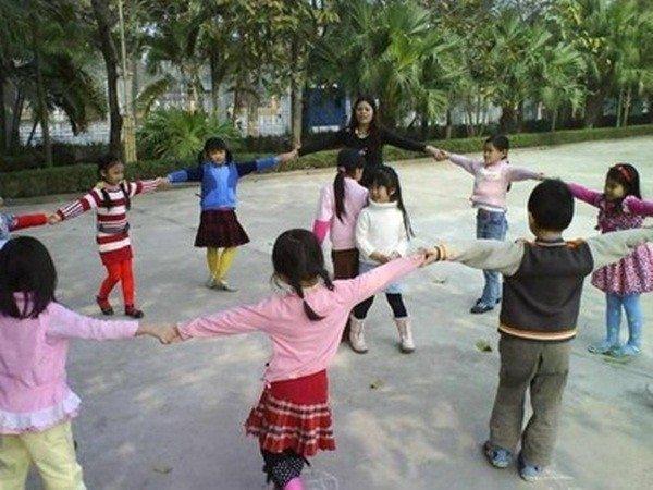 Tổ chức chơi trung thu: trò Cam quýt mít dừa