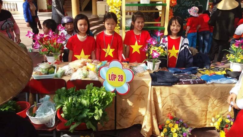 Tổ chức hội chợ cho thầy cô