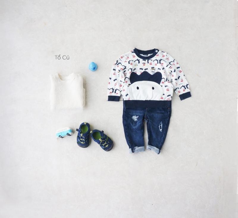 Đây là một trong số nhiều bộ quần áo second- hand của trẻ em tại Tổ Cú. Rất xinh xắn và đáng yêu đúng  không nào.