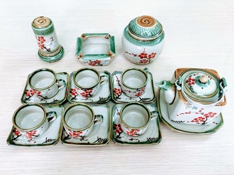 Tô Thanh Sơn là nghệ nhân ưu tú của nghề gốm Bát Tràng - Gia Lâm - Hà Nội.