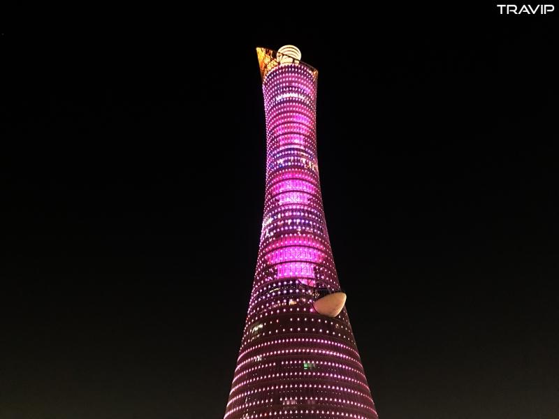 Tòa tháp ngọn đuốc là biểu tượng của Asia Games năm 2006