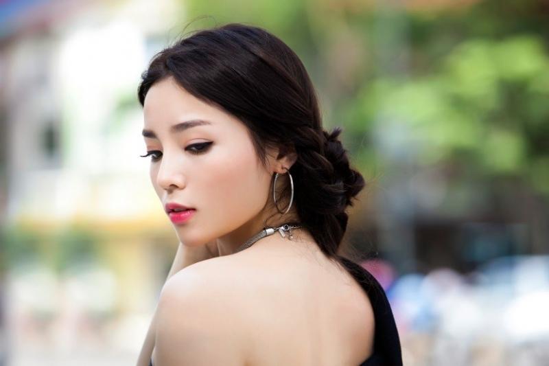 Kiểu tóc búi thấp giúp các nàng trở nên xinh đẹp