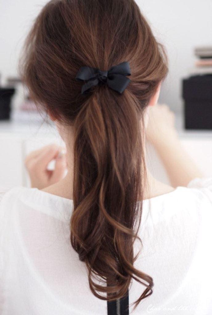 Mái tóc bạn sẽ nổi bần bật nếu đi kèm những phụ kiện xinh xắn