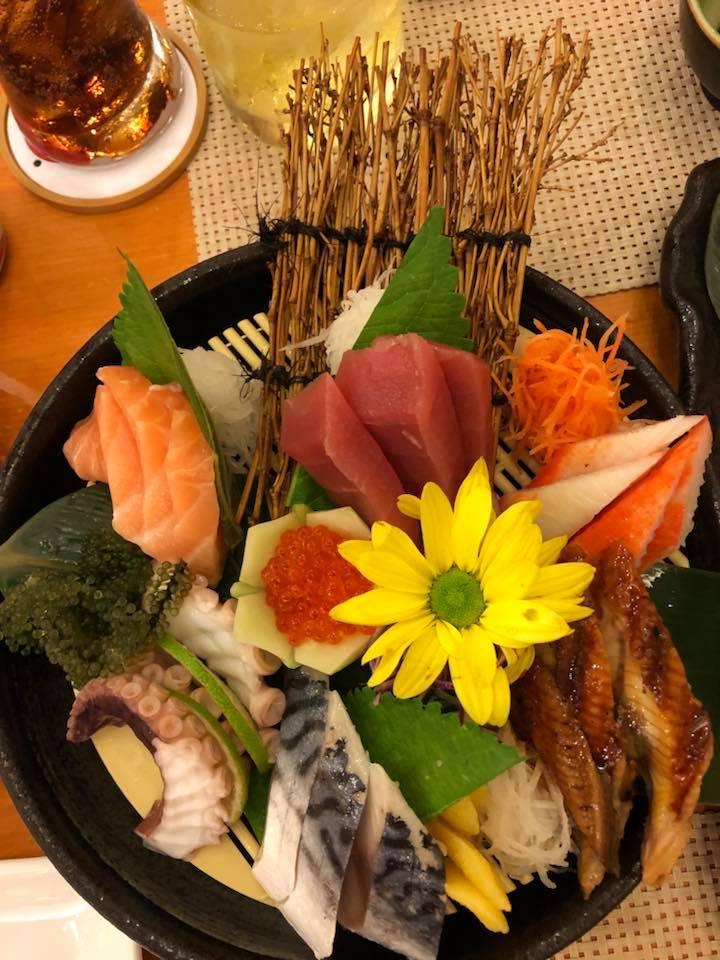 Món ăn quán Tokyo Deli được chế biến tinh tế để giữ được độ tươi nhất định