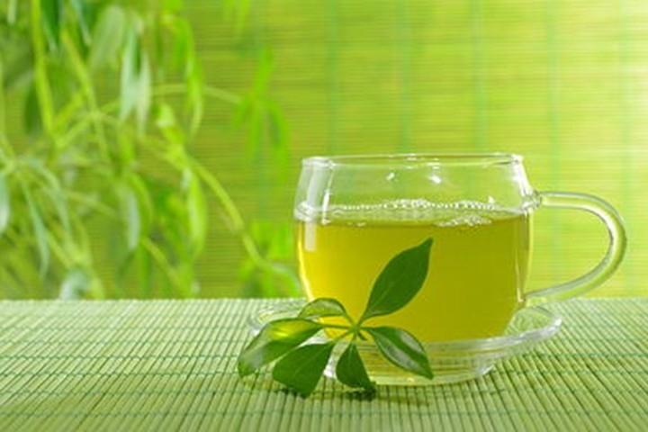 Toner trà xanh cho làn da sáng khỏe