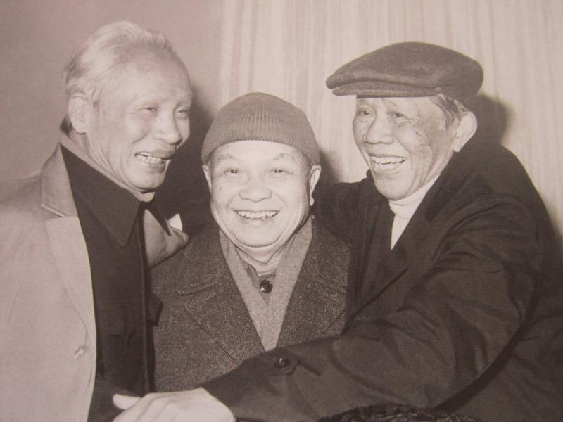 Từ trái qua phải: Thủ tướng Phạm Văn Đồng, Tổng bí thư Trường Chinh, Tổng bí thư Lê Duẩn. Ảnh tư liệu