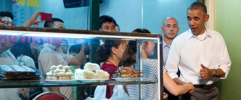 Tổng thống Mỹ Barack Obama ăn bún chả Hà Nội