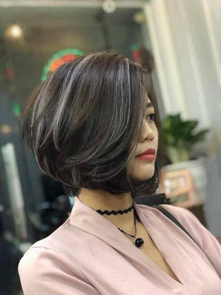 Nếu bạn muốn tìm kiếm những mẫu tóc phá cách và sáng tạo hợp thời trang thì đội ngũ nhân viên giàu kinh nghiệm của Toni Nguyễn Salon sẽ không làm bạn thất vọng đâu