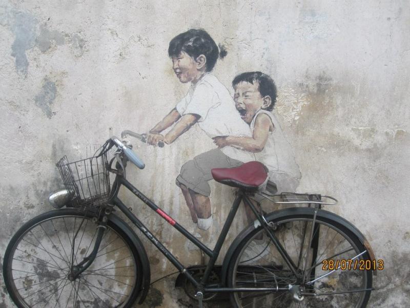 Chiếc xe đạp gắn với bao năm tháng tuổi thơ
