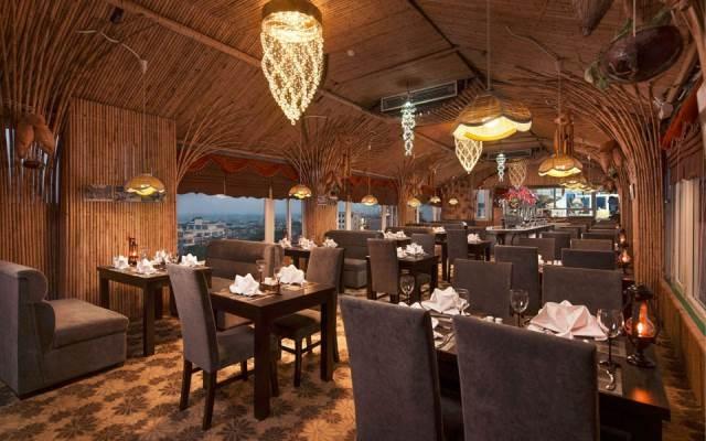 Nhà hàng thiết kế theo lối kiến trúc Châu Âu