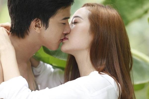 Hãy hôn chồng thật say đắm