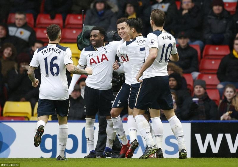 Tottenham là đội đang bám đuổi Chelsea trong cuộc đua vô địch