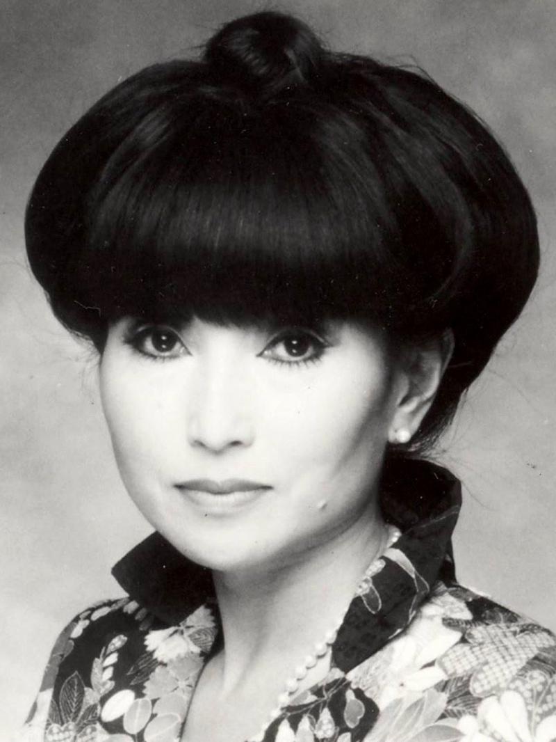 Kuroyanagi Tetsuko tác giả của cuốn sách Totto - chan Bên cửa sổ