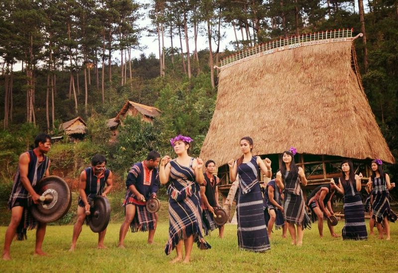 Cuộc sống dân dã nơi bản làng ở cao nguyên trữ tình.