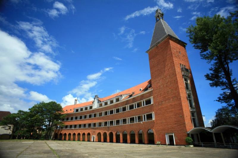 Tour du lịch kiến trúc Đà Lạt được tổ chức bởi công ty Latour Đà Lạt