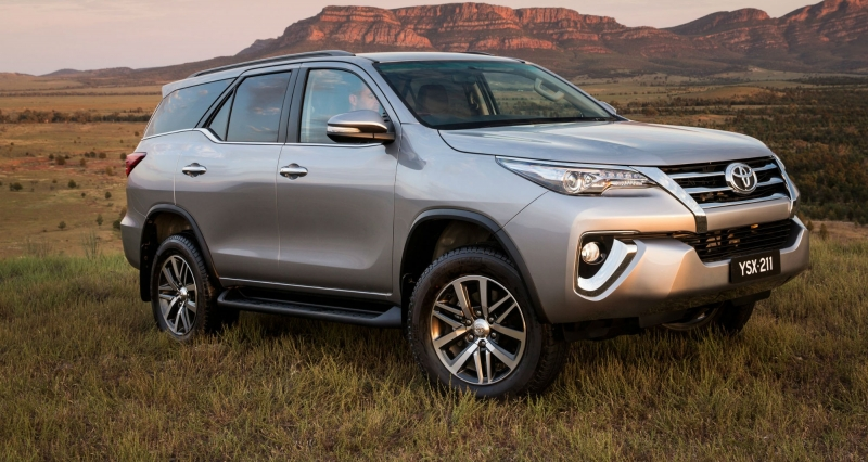 Toyota Fortuner: 1.190 xe