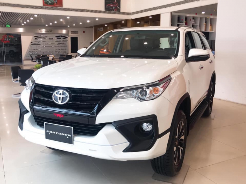 Toyota Fortuner: 392 xe