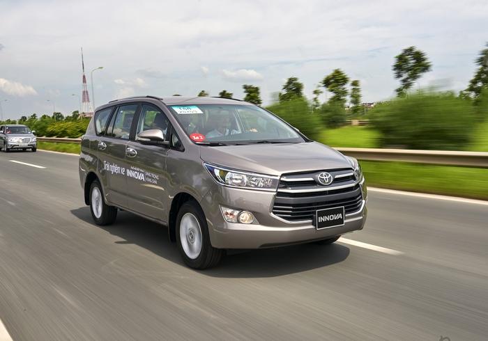 Toyota Innova: 544 xe