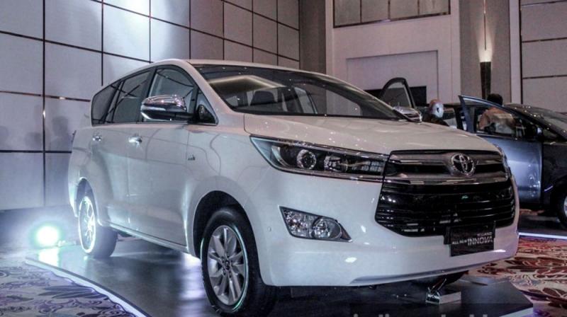 Toyota Innova: 880 xe