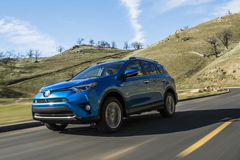 Toyota RAV 4 được yêu thích nhờ động cơ hybrid